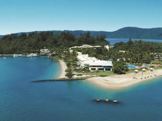 Whitehaven & Daydream Island Cruise